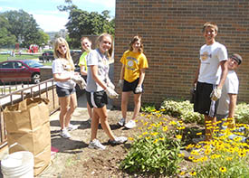 Lansing Christian School NHS members volunteering
