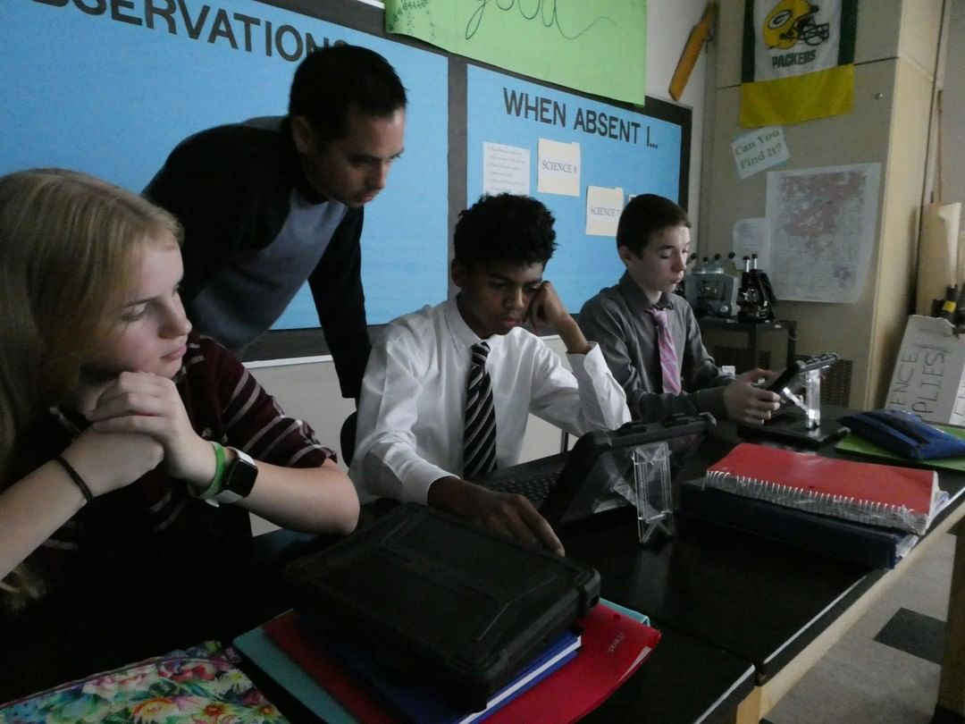 Students take notes on their readings in Science class. #LCS_HaveItAll www.lansingchristianschool.org